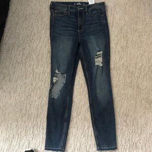 Hollister ripped high rise skinny jeans SIZE 3